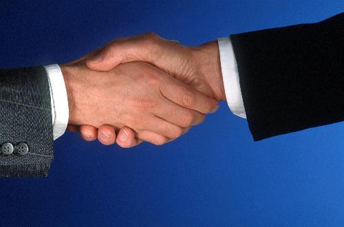 ruka ruce podání ruky obchod kontrakt smlouva manažer dùvìra